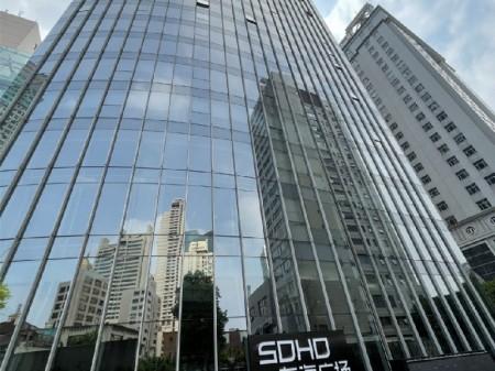 老静安,南京西路商圈,近静安寺东海广场高层精装带家具办公出租