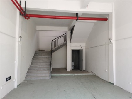 浦东新区康桥板块苗桥路961号、963号、965号沿街门面招租 新招租