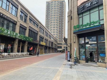 嘉定南翔槎溪路680号,旺座新天地沿街不限业态商铺,业主还贷急租