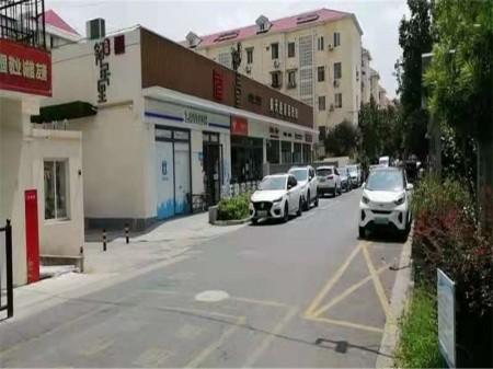 静安区场中路1987-1999号核心商圈 沿街门面房出租 只能联合经营